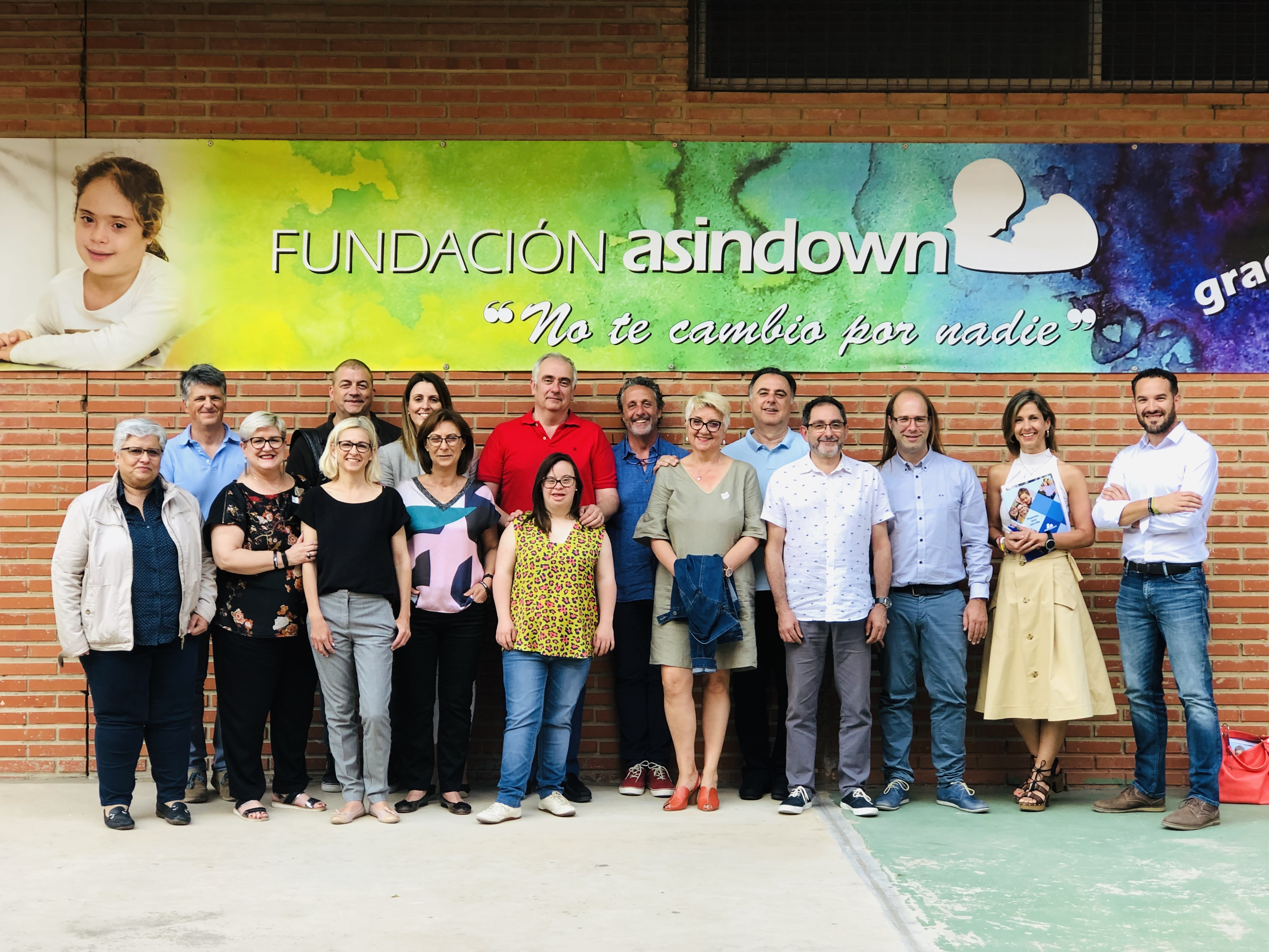"""Asindown firma el convenio de colaboración con el Ayuntamiento de Valencia para poner en marcha """"La Mare quevar"""""""